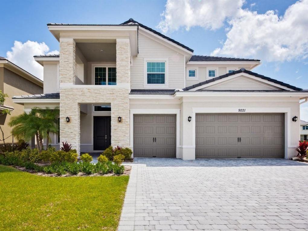 9221 Greenspire Ln, Lake Worth, FL 33467