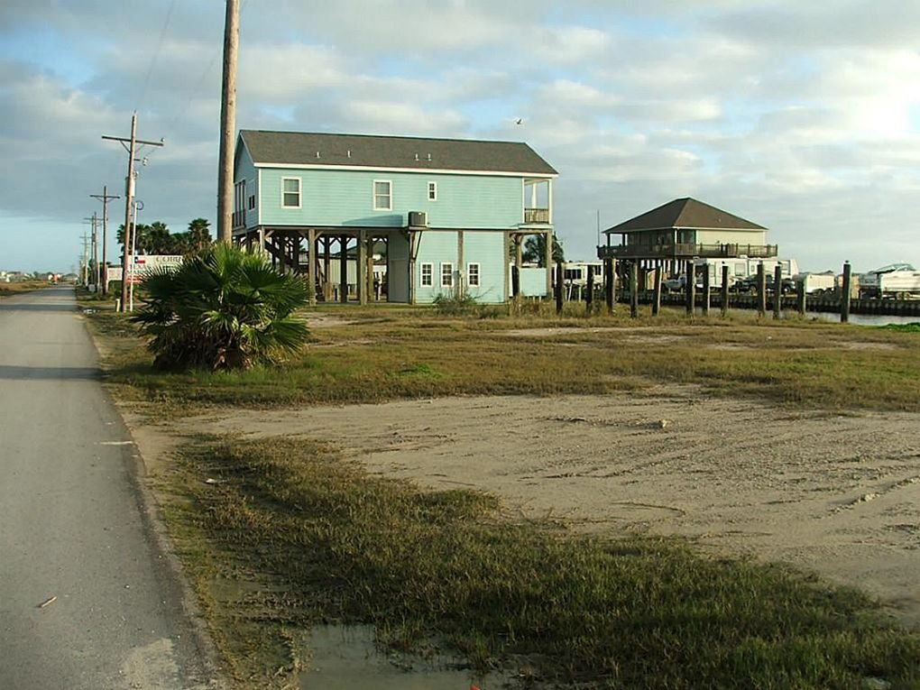 1241 n stingaree lot 3 crystal beach tx 77650 land for for Coastal home builders texas