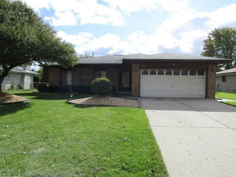 Photo of 3756 Burr Ct, Sterling Heights, MI 48310