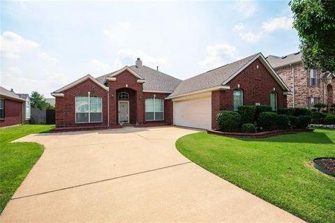 5295 W Cove Way  Grand Prairie  TX 75052. Lake Parks West  Grand Prairie  TX 4 Bedroom Homes for Sale