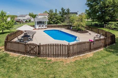 10623 Cheshire Ridge Dr, Florence, KY 41042