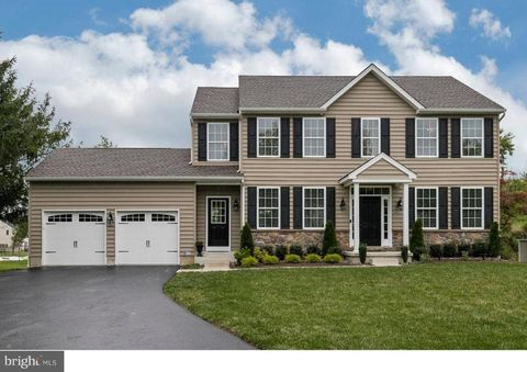 Photo of 690 Newtown Rd, Warminster, PA 18974