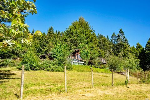 Photo of 26401 Blueberry Hill Rd, Fort Bragg, CA 95437