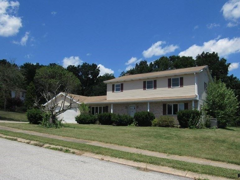 1632 yorktowne dr york pa 17408 home for sale and real estate listing