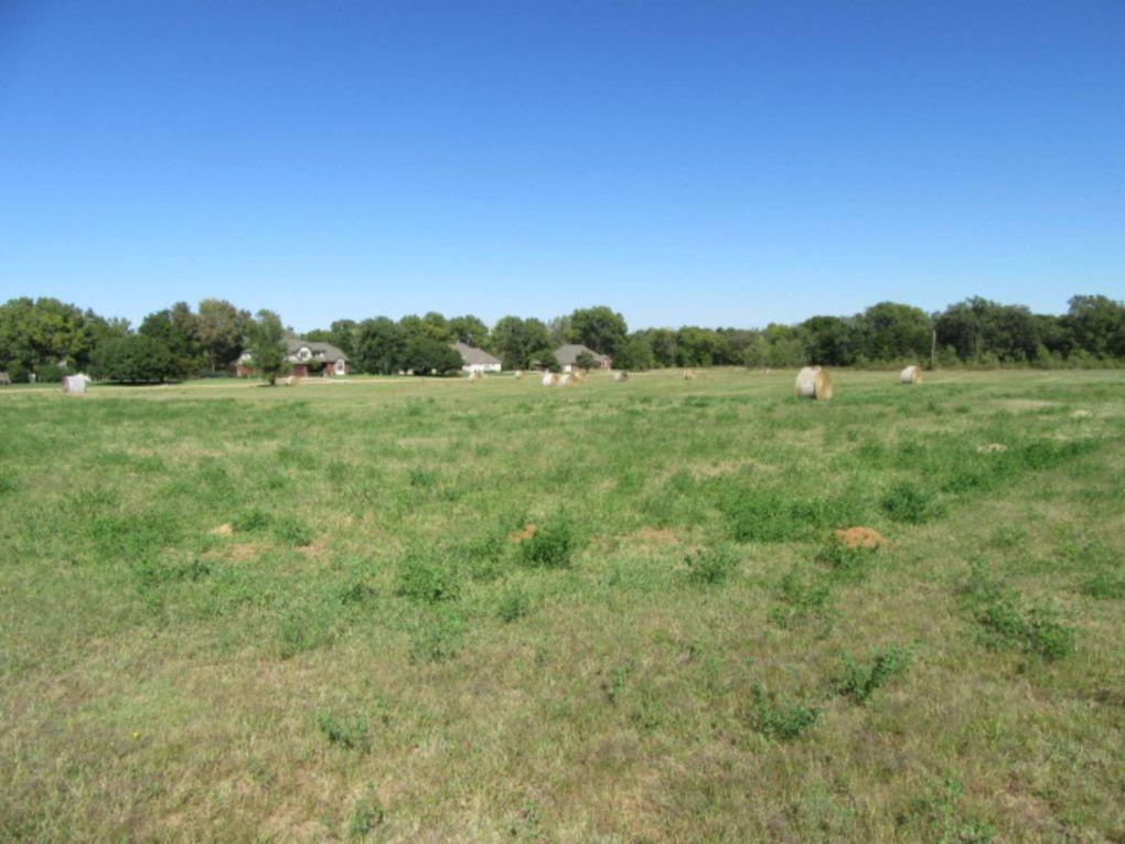 1707 N Whetzel Ave, Kingman, KS 67068