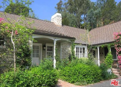 1395 N Doheny Dr, Los Angeles, CA 90069