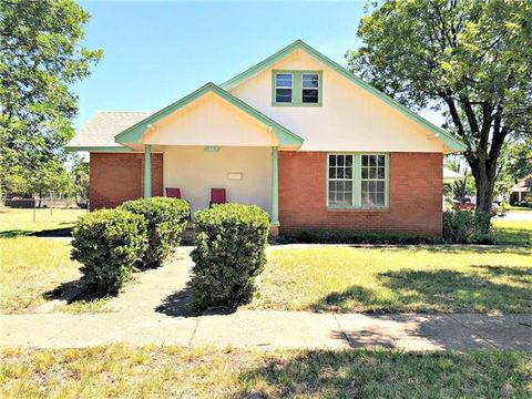Photo of 607 N 5th St, Haskell, TX 79521