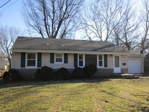 Photo of 622 W Broadmoor St, Springfield, MO 65807