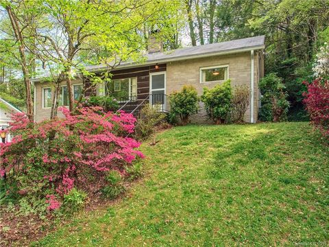 Photo of 264 Cokesbury Cir, Lake Junaluska, NC 28745