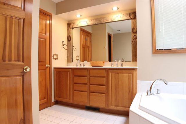 6346 Newtonsville Rd, Wayne Township, OH 45162 - Bathroom