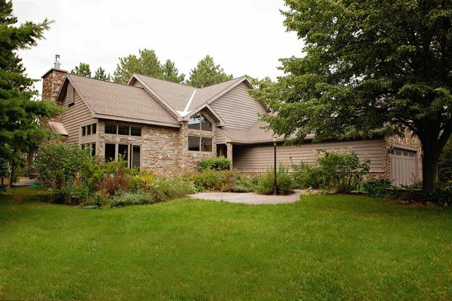 Marquette homes for sale marquette mi real estate at for Upper michigan real estate zillow