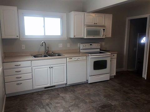 2234 W Lombard St, Davenport, IA 52804