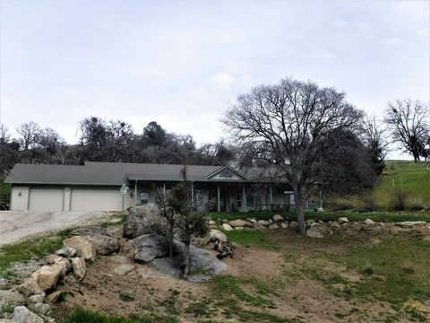 27750 Bear Valley Rd, Tehachapi, CA 93561