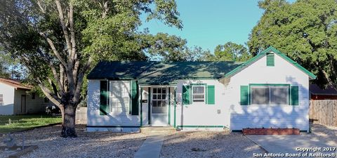 Photo of 2508 Avenue I, Hondo, TX 78861