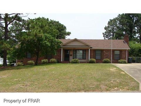 437 Waterbury Dr, Fayetteville, NC 28311
