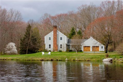 Photo of 9 Spur Rd, Redding, CT 06896