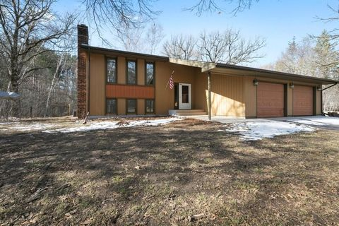 Photo of 4605 Echo Ln, Stacy, MN 55079