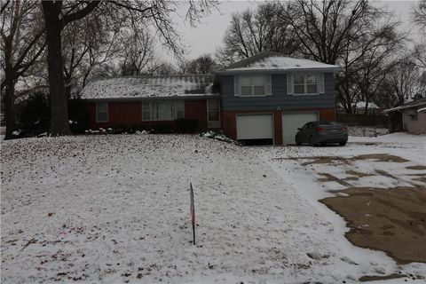 7133 Greeley Ave, Kansas City, KS 66109