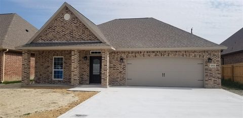 Photo of 2803 Eastdale Dr, Groves, TX 77619