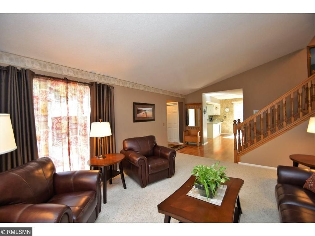 12275 Heather St Nw, Coon Rapids, MN 55433