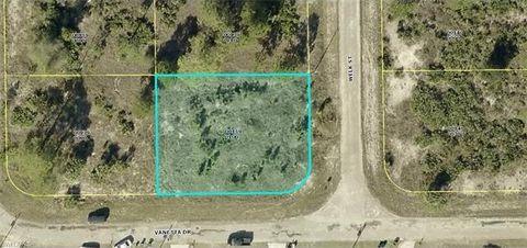 1843 Welk St, Lehigh Acres, FL 33972