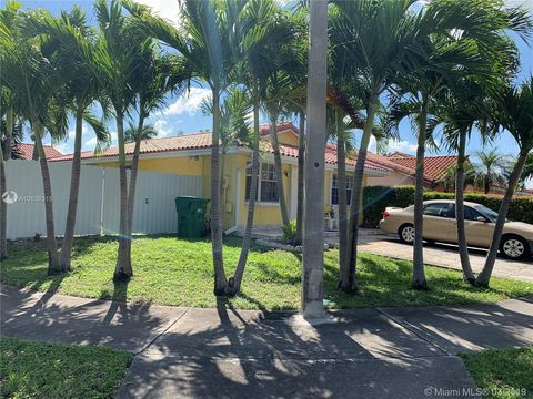 Photo of 9102 Nw 114th St, Hialeah Gardens, FL 33018