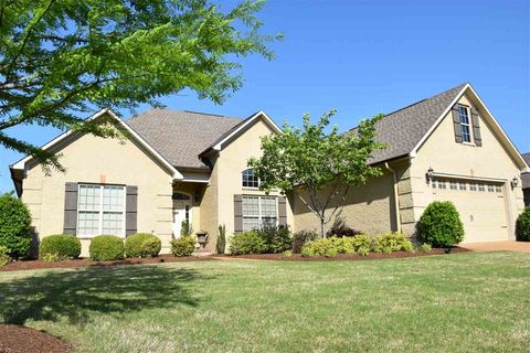 31 Woodshire Cv  Jackson  TN 38305. Jackson  TN Real Estate   Jackson Homes for Sale   realtor com