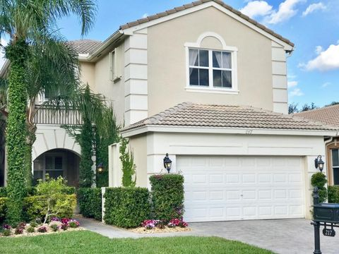 217 Isle Verde Way, Palm Beach Gardens, FL 33418