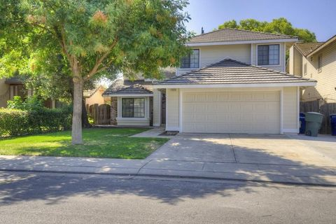 3020 Glen Field Ln Ceres CA 95307