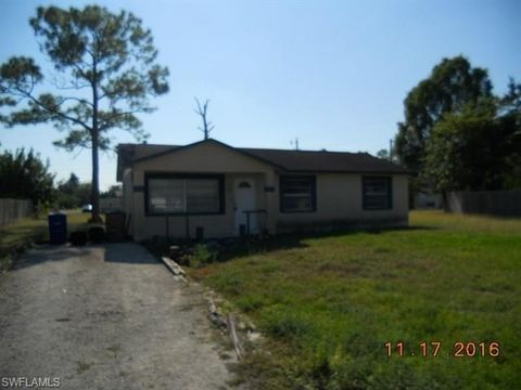 2252 9th Ct, Lehigh Acres, FL 33936