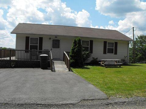 106 Fairview St, Richlands, VA 24641