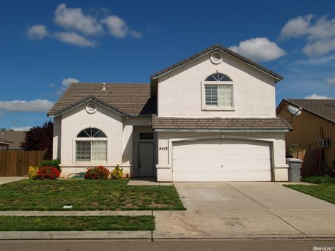 2443 Novi Dr, Riverbank, CA 95367