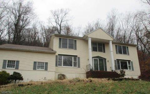 204 Emmans Rd, Roxbury Township, NJ 07836