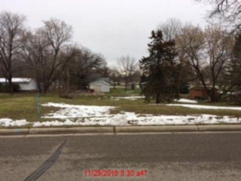 717 Oak St, Alexandria, MN 56308