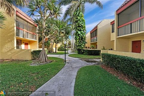 Vista Gardens Condominiums, Deerfield Beach, FL Apartments for Rent ...