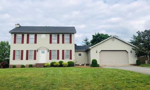 Photo of 1404 Oak Tree Ct, Hopkinsville, KY 42240