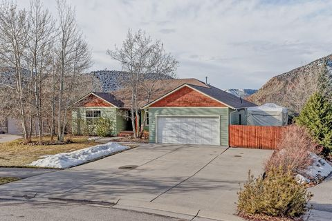 Photo of 11 S Painted Horse Cir, New Castle, CO 81647