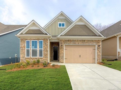 Photo of 3753 Norman View Dr Unit 130, Sherrills Ford, NC 28673