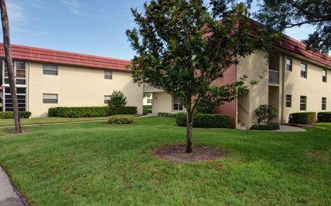 52 Woodland Dr Apt 202, Vero Beach, FL 32962