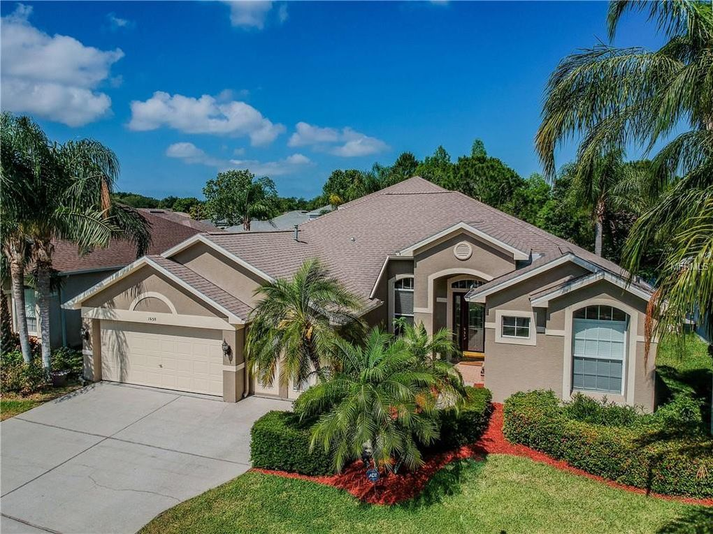 1658 Water Oak Dr, Tarpon Springs, FL 34689