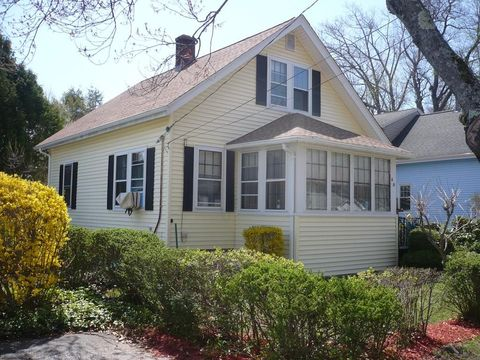 29 Frederickson Ave, Worcester, MA 01606