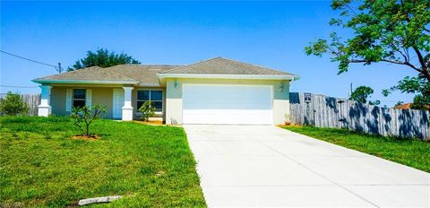 Photo of 1572 Gretchen Ave S, Lehigh Acres, FL 33973
