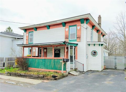 Photo of 15 Derby Ave, Auburn, NY 13021