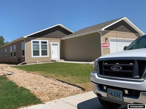 Photo of 840 Flicker St, Douglas, WY 82633