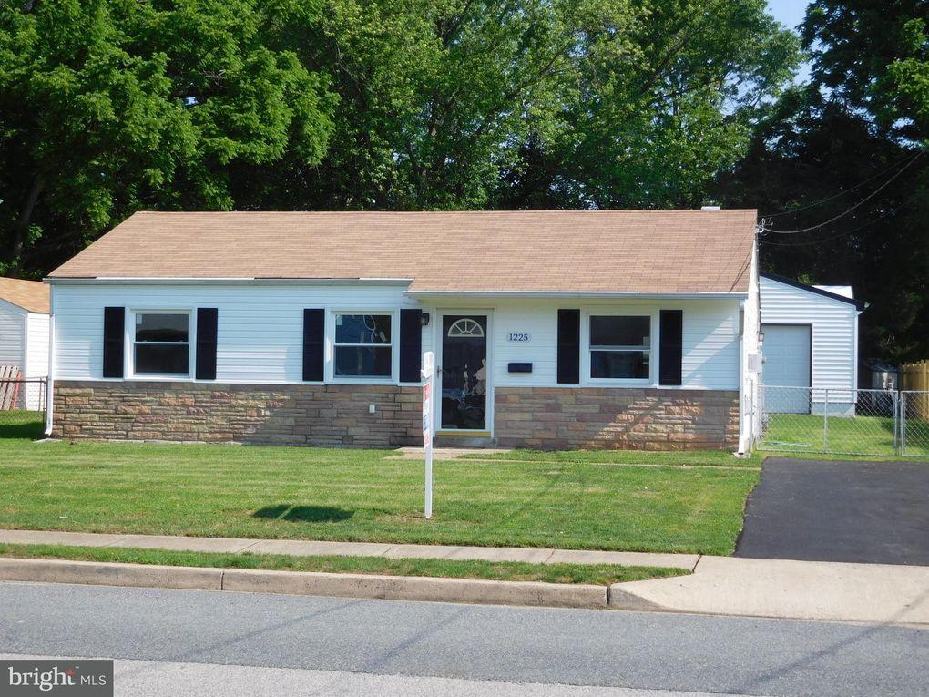1225 E Longview Dr, Woodbridge, VA 22191