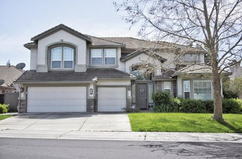 Photo of 2820 W Pintail Way, Elk Grove, CA 95757