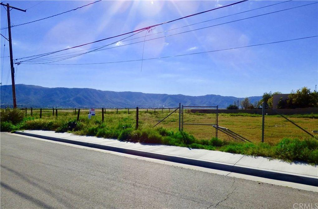 50 Elm St Lake Elsinore, CA 92530