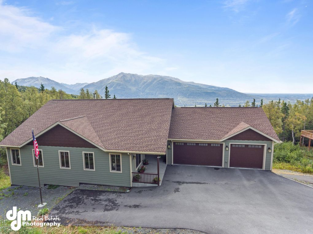 19280 Timberline Dr, Eagle River, AK 99577