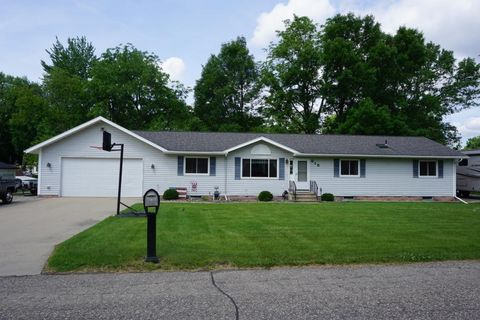 Photo of 615 West St, Mantorville, MN 55955