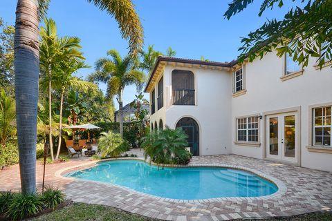 Photo of 921 Mill Creek Dr, Palm Beach Gardens, FL 33410